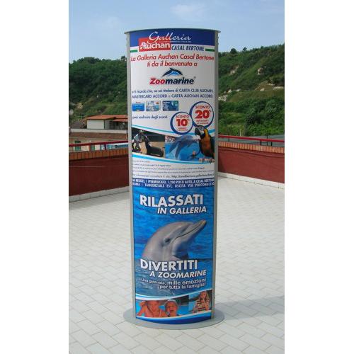 Totem pubblicitario a Napoli